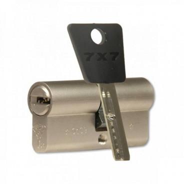 Цилиндровый механизм  Mul-T-Lock Cylinder 7x7 62mm (31x31) (никель)